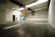 INDELING:   Inkom met onthaalruimte en lichtrijk kantoor (± 60m2), toiletten met afzonderlijke wastafel - technische ...