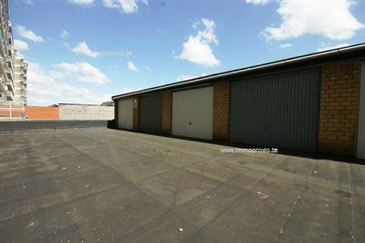 12 nieuw te bouwen garages centrum Roeselare aan BETAALBARE prijs!   Opmerkingen:  - Interessante investering! - NIEUW!...
