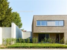 Laatste woningen met tuin en terras, 3 slaapkamers. Meer info: www.matexi.be