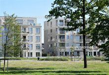 Zeer leuk stadsappartement met 2 slaapkamers en zeer groot terras van ca. 16m² op het zuidwesten. .  Dankzij de ligging in het park, de autovrije o...