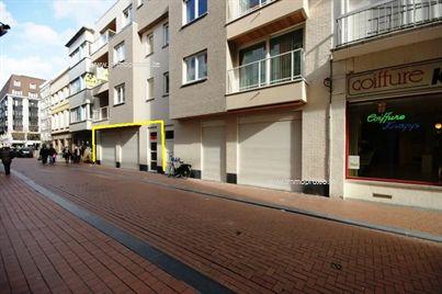 GUNSTIGE voorwaarden!!  Nieuwbouw-winkelruimte (210m²)nabij de Grote Markt!  Tussen de Grote Markt en de Kerkstraat vindt u deze prac...