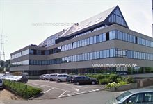 Instapklare kantoren te Sluispark Merelbeke. Vlakbij de afrit E40 en het klaverbald E40/E17.