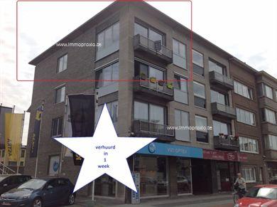 Lichtrijk hoekappartement met 3 slaapkamers en uitzicht tot op de markt van Beveren, op 2 min. wandelafstand van de markt en op 5 min. van het stat...
