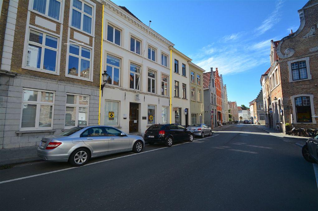 Kantoorgebouw Te koop Brugge