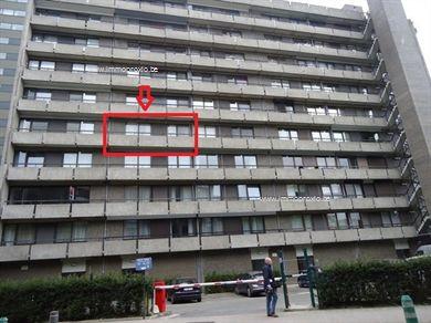 Instapklaar, gerenoveerd 3 slaapkamer-appartement in HARTJE Hasselt waar het steeds gezellig vertoeven is. Het appartement is gelegen op de 4de ver...