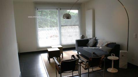Dit luxueus ingericht appartement omvat ruime leefruimte met moderne, ingerichte keuken met alle toestellen, berging/wasruimte, zeer ruim terras 39...