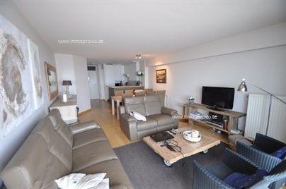Gezellig aangenaam 3 slaapkamer appartement op een 5e verdieping aan de zeedijk in de nabijheid van het Casino. Bestaat uit: living met terras voor...