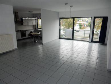 Voor meer informatie of een bezoek, contacteer Thomas: 0472/402301 Dit appartement is gelegen nabij het centrum van Aalst en tegenover het stedelij...