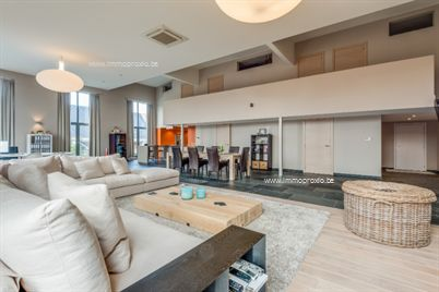 Riante loft met zonnig terras en dubbele garage! Deze prachtige en zeer ruime loft (290m²) is ideaal gelegen in de buurt van alle invalswegen en is...