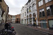 INDELING: Gelijkvloers:   winkel (40m²)    Kelderverdieping  : stockageruimte (6,4 m x 3,6...