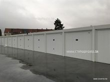 7 Nieuwbouwgarage te huur te Kortrijk.     Gelegen in complex 'Vlasbloem' in de Moorseels...