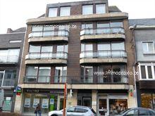 U wenst in het centrum te wonen en zicht te hebben op de Heldenlaan en de Markt, dan moet u zeker een bezoekje brengen aan dit appartement.   Dit a...