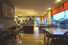 INDELING  :    Gelijkvloers  : aangename, lichtrijke handelsruimte (± 70m²) – sanitaire ruimtes (heren/da...