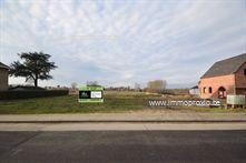 In  Werken , een deelgemeente van Kortemark, vinden we dit lot  bouwgrond  terug van  575m².  Dit p...