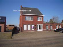 Aangename woning met 3 slaapkamers te Kievermont, op fietsafstand van het centrum van Geel en 5km verwijderd van de Europese School. De woning werd...