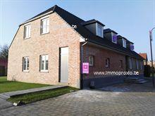 NIEUWBOUW duplex appartement (gelijkvloers en eerste verdiep), afgewerkt met duurzame luxe materialen, gelegen in Bel (gebouw gekend als VOSKE), IN...