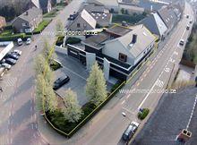 KANTOOR (gelijkvloers: 250m2):      momenteel in gedeeld in verschillende ruimten, waaronder de&nbs...