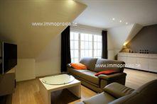 Dit  duplex appartement  is  prachtig en smaakvol ingericht , met zowel in de woonkamer als in de slaapkamers <str...