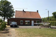 Huis in Oostnieuwkerke, Bombeekweg 2