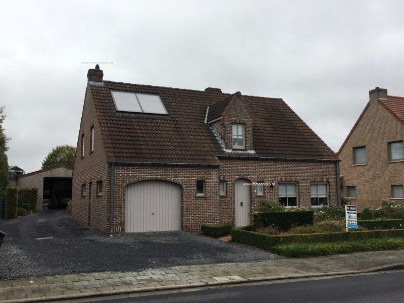 Huis te huur pater ver eeckestraat 22 izegem ref 1610132 for Huizen te koop izegem