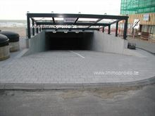 Garage in Sint-Idesbald, Zeedijk