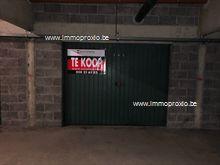 Garage in Nieuwpoort, Sint-Bernardusplein 10