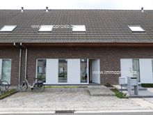 Woning in Sint-Eloois-Vijve, Lijnzaadstraat 20
