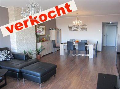 VERKOCHT. Drie slaapkamer appartement, 108 m2 + terras voor- en achteraan op vierde verdieping  op 150m van Markt te Lier.  Appartement behelst een...